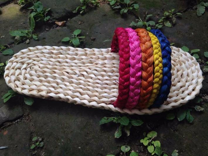 纸筒做的手工艺品鞋子-的艺术品 传统手工艺 臻美纯手工草编鞋